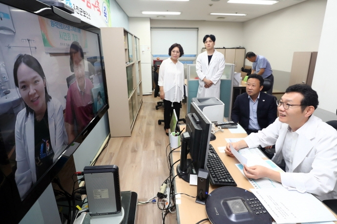 Introducing telemedicine service has long been a contentious and ideologically sensitive issue in South Korea. (image: Ongjin County Office)