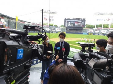 Eyes of the World: Foreign Media Descend on KBO Stadiums for Opening Day
