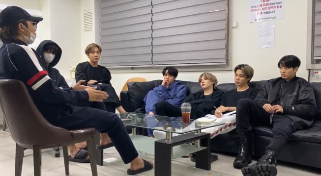 Members exchanged views on the theme and composition of the album and the desired music style in a free and open environment. (image: Big Hit Entertainment)