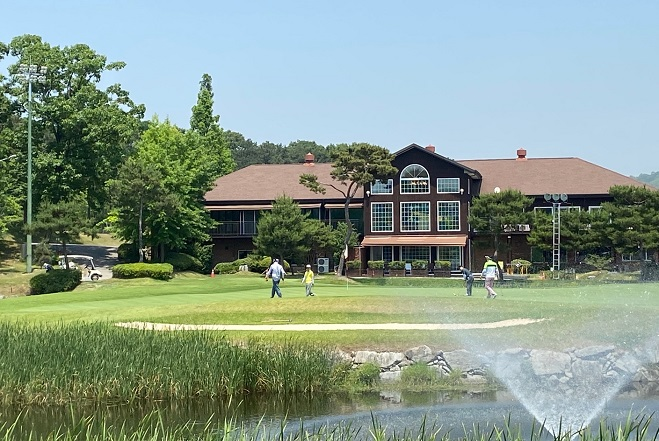 S. Korea's Green Fees for Public Golf Courses Twice as Expensive as in Japan