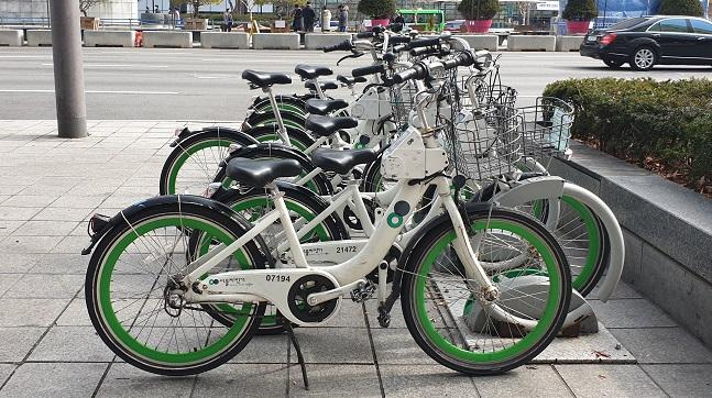 Koreans Choose Public Bicycles over Public Transportation Due to Coronavirus
