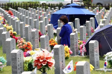 Memorial Day Ceremony Toned Down amid Coronavirus Pandemic