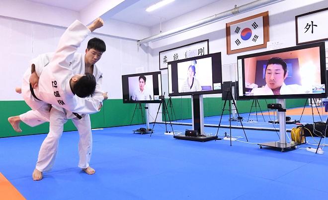 Judo Belt Examinations Held Online to Prevent Coronavirus Spread