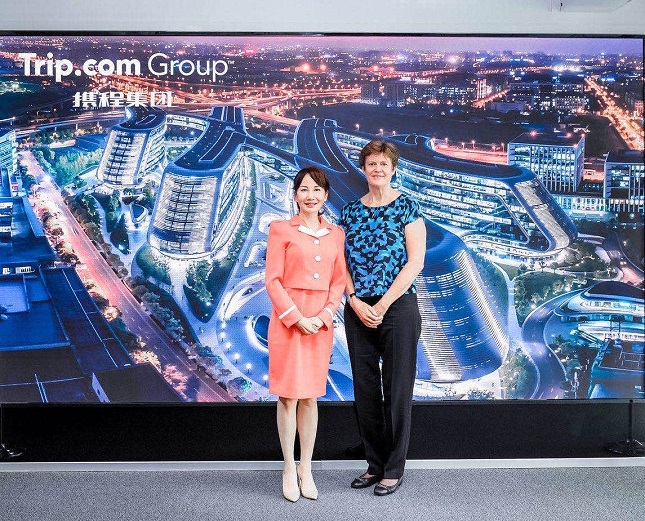 Trip.com Group CEO Jane Sun (left) meets with British Ambassador to China Dame Barbara Woodward (right) at Trip.com Group headquarters. (image: Trip.com Group Limited)