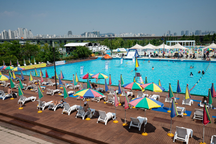 Han River's Outdoor Pools also plan to delay its official opening day.