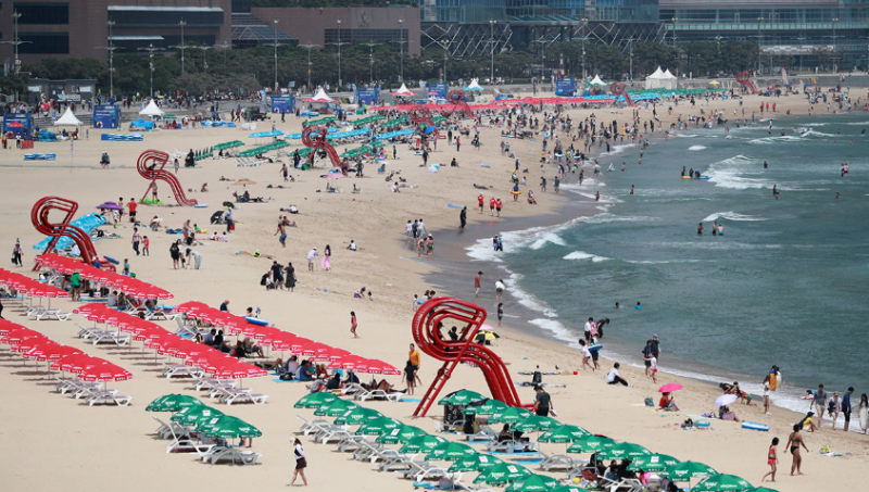 COVID-19: No Chimaek on S. Korean Beaches This Year