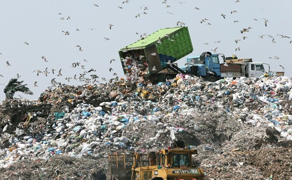 Seoul Citizens Adamantly Oppose Waste-related Sites in Their Neighborhood