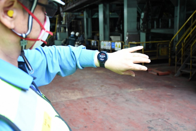 POSCO Workers to Wear Smartwatches to Monitor Colleagues' Safety