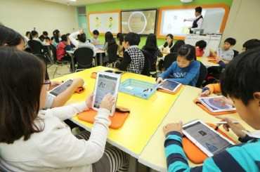 Majority of Students Say It's Okay to Use Digital Textbooks During Class