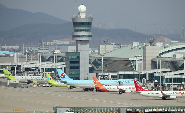 Airplanes at the Incheon International Airport in Incheon, just west of Seoul. (Yonhap)