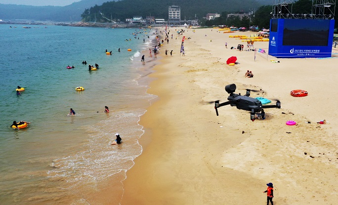 Drones to Track Beachgoers' Temperatures in Gangneung