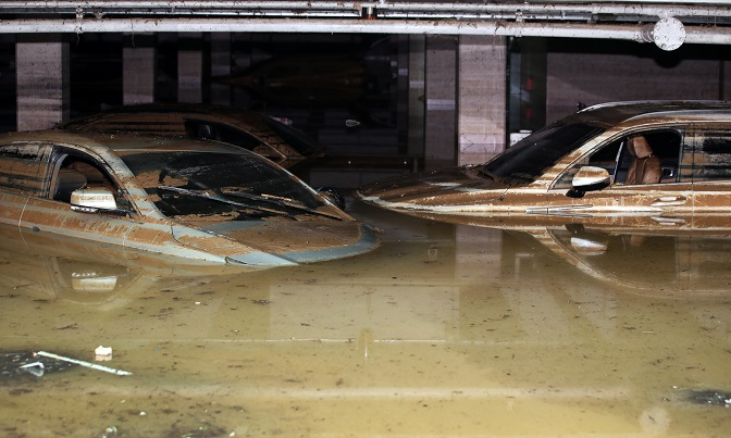 An underground parking lot of an apartment complex in Gwangju, 329 kilometers south of Seoul, is flooded on Aug. 9, 2020. (Yonhap)
