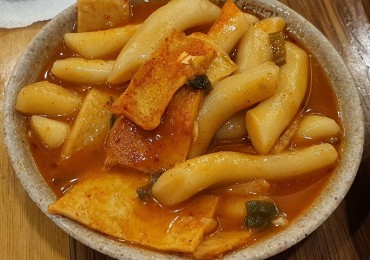 Tteokbokki Voted No. 1 Comfort Food amid Pandemic