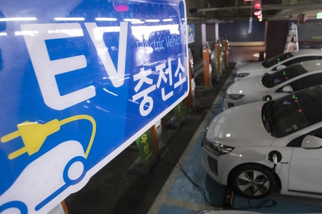 This photo taken on July 3, 2017, shows state power provider KEPCO's charging station for electric vehicles in Seoul. (Yonhap)