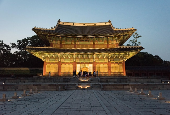 Nighttime Tours of Changdeok Palace to Begin This Week