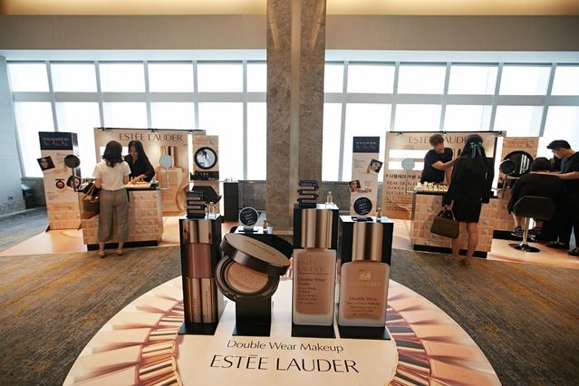 Estee Lauder Criticized for Racist Customer Service