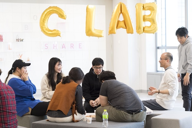 Startup entrepreneurs hold a meeting at Samsung Electronics Co.'s Seoul R&D Campus on Aug. 1, 2019, in this photo provided by the Korean tech giant.