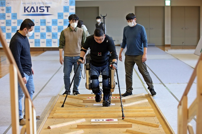 Robot-assisted Competitors Compete at CYBATHLON 2020 Global Edition