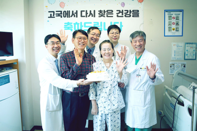 Korean from Mexico Survives Coronavirus via Lung Transplant in Home Country