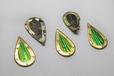 Go Stones, Jewelry Unearthed from Silla-era Tomb of Woman