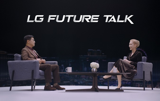 This photo provided by LG Electronics Inc. on Jan. 12, 2021, shows Chief Technology Officer Park Il-pyung (L) speaking with the event host Amy Aleha at LG Future Talk.