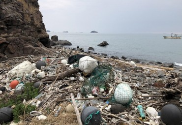 Marine Debris Piling Up in Blind Spots Around Incheon