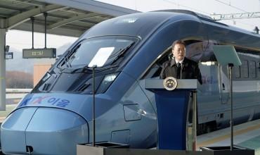 Aboard New Bullet Train, Moon Unveils S. Korea's Rail-driven Growth Vision