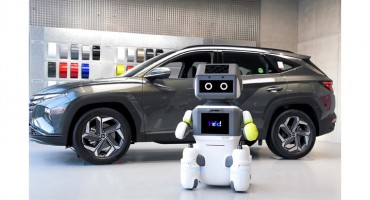 Hyundai Motor Introduces Contact-free Customer Service Robot