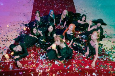 K-pop Girl Group LOONA Breaks into Billboard's Pop Airplay Chart