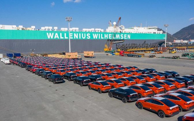Carmakers' Feb. Sales Rise 4.8 pct on SUVs