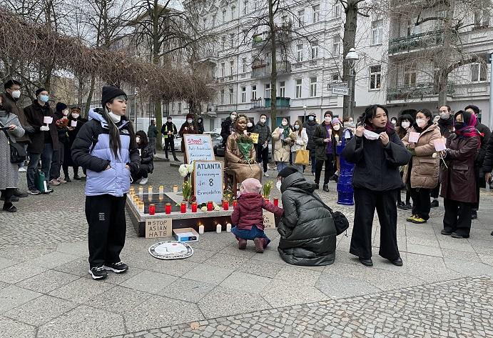 Asians Hold Vigil in Berlin to Remember Victims of Atlanta Shootings