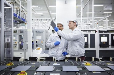 Hanwha Q Cells Unveils Brand-new Bifacial and Floating-type Solar Modules