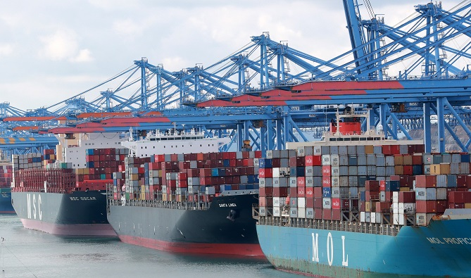 Port of Busan Gives Incentives to Low-speed Ships, Reducing Emissions