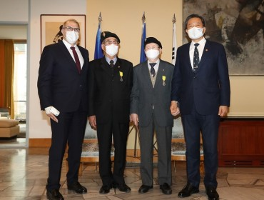 2 Korean War Veterans Receive French Military Decoration