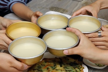 S. Korea to Designate Makgeolli-making as Intangible Heritage