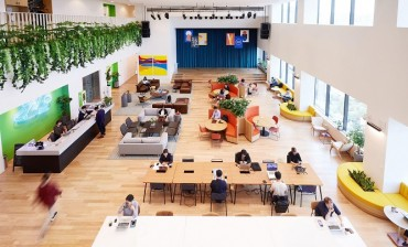 Coworking Industry Turns to Subway Stations and Residential Areas