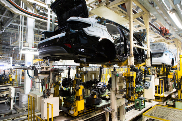 Hyundai to Suspend Production at Plant Without Cutting Employee Wages