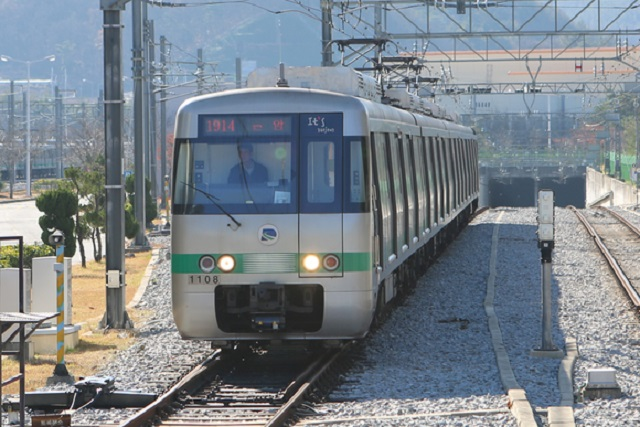 AI to Detect Abnormal Behaviors of Subway Riders in Daejeon