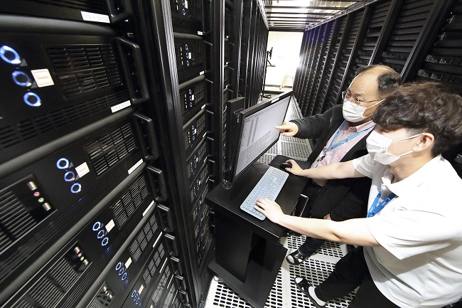 Telcos Spend Big on data Centers on Spiking Digital Services