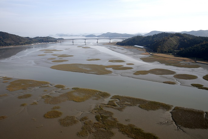 Sinan County Steps Up to Preserve UNESCO Mudflats