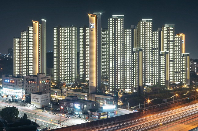 This photo, taken in 2019 and provided by Choi Jong-eon, shows a new apartment complex in Yongin, 50 kilometers south of Seoul.