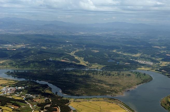 Gyeonggi Lays Out Plan to Turn DMZ into Peace, Ecology Belt