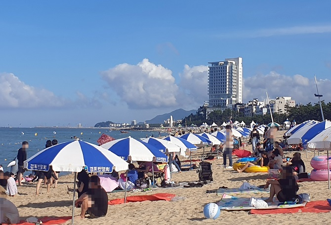 Gangneung Eyes Nighttime Closure of Beaches to Combat Rising COVID-19 Cases