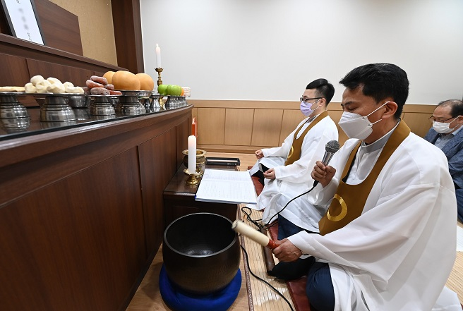 Suwon Holds First Public Funeral of Unclaimed Body