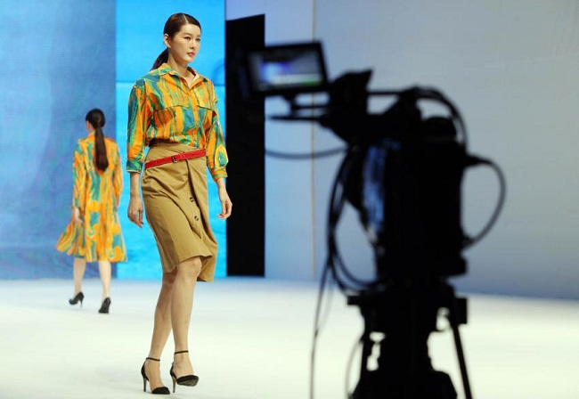 Online Fashion Platforms for Women Engage in Ruthless Competition to Gain Market Share