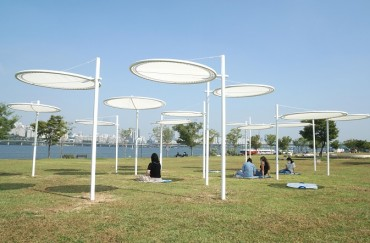 Seoul City Sets Up Shade Canopies that Help Social Distancing