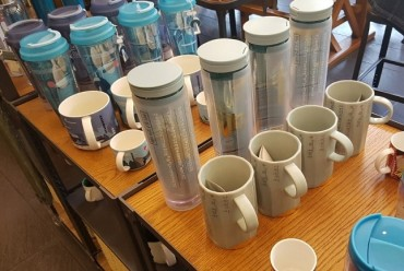 Tumblers Sold at Coffee Shops Turn into Unnecessary Waste Due to Lack of Available Replaceable Parts
