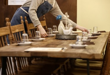 No. of Employees in Food Service Segment Rebounds amid Job Recovery